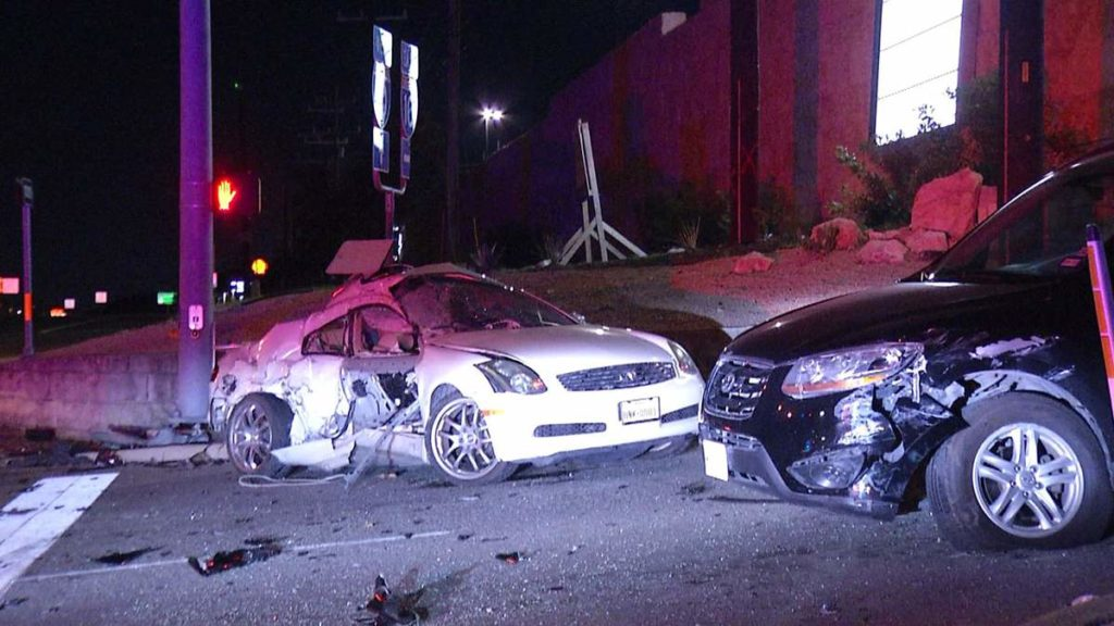 Three- Vehicle Wreck Left One Woman Injured in San Antonio