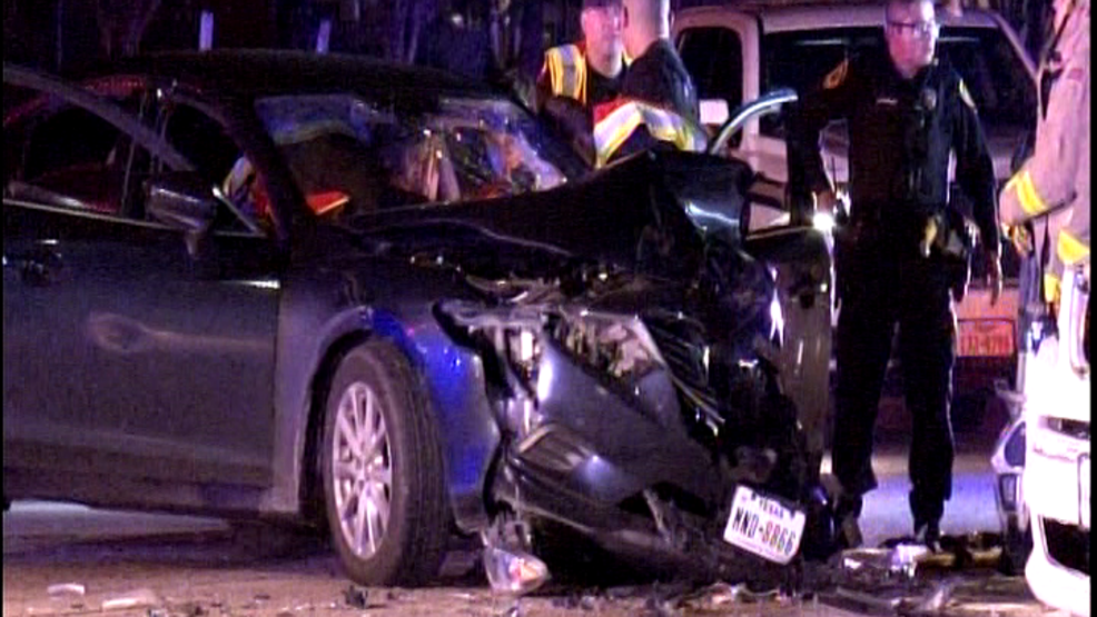 Head-On Collision Left Two Injured in San Antonio