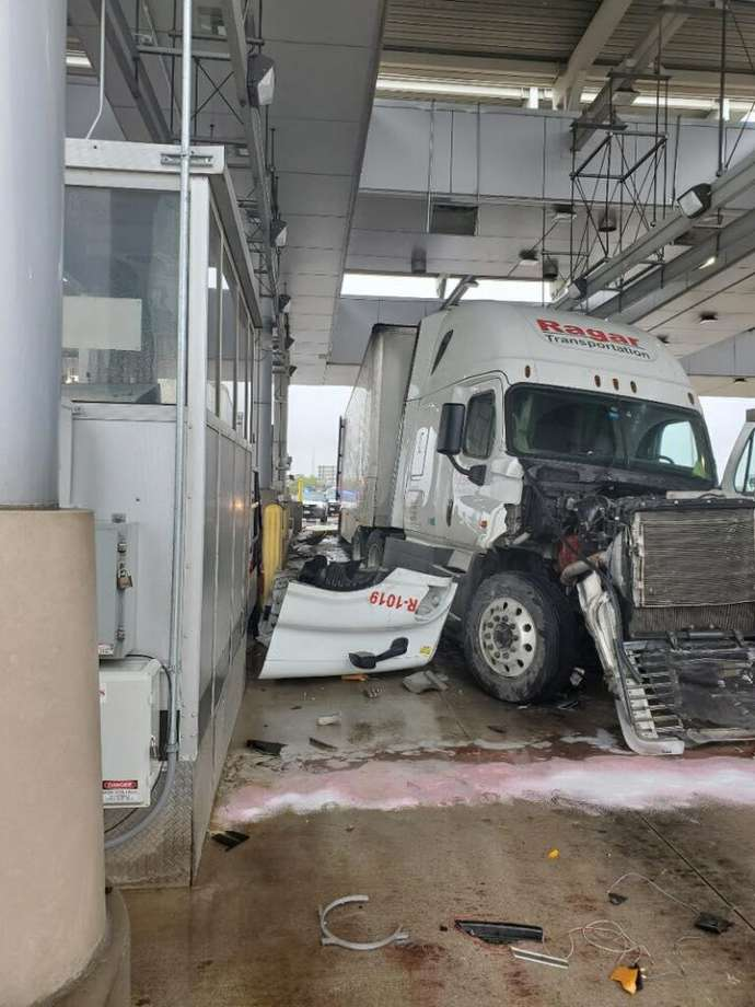 Tractor Trailer Crashes into Border Patrol Checkpoint, Injures One Person