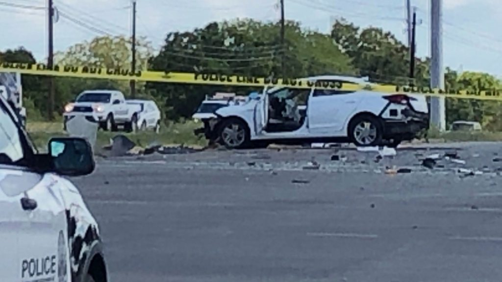 Three People Killed in Head-On Collision in Bastrop